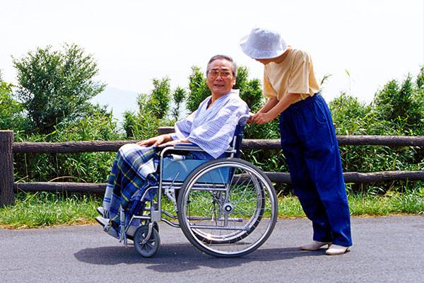 車椅子 タイヤ交換 東京